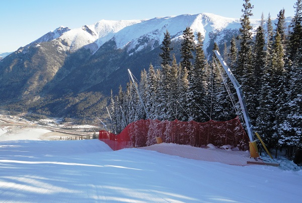 Type-A protection structures for ski slopes